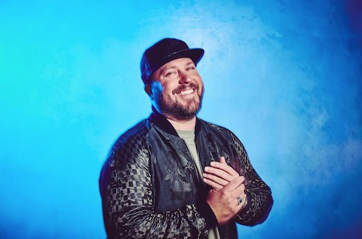 Review: 'Midtown Diaries' – Mitchell Tenpenny